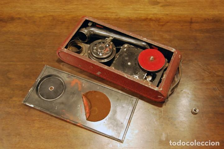Gramófonos y gramolas: GRAMÓFONO DE VIAJE THORENS EXCELDA Y AGUJAS COLUMBIA. AÑOS 30 - Foto 3 - 199666976