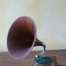 Gramophones: MAESTROPHONE - ESCALA 1/4 - MANUEL OLIVÉ SANS - SERIE LIMITADA.. Lote 200123316