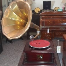 Grammofoni e gramolas: GRAMOLA HIS MASTERS VOICE. Lote 204652832