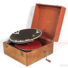 Gramófonos y gramolas: ANTIGUO GRAMOFONO PATHE DIFUSOR DE MALETA AÑO 1920. Lote 204700852