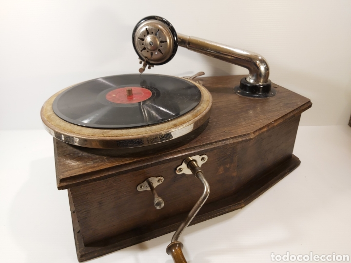 Gramófonos y gramolas: ANTIGUO GRAMÓFONO DE PEQUEÑAS DIMENSIONES - Foto 2 - 205673528