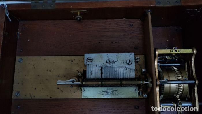 Gramófonos y gramolas: ANTIGUA CAJA DE MÚSICA ADLER CON UN DISCO año 1890 Peso 9 kg 1400 - Foto 10 - 207578493