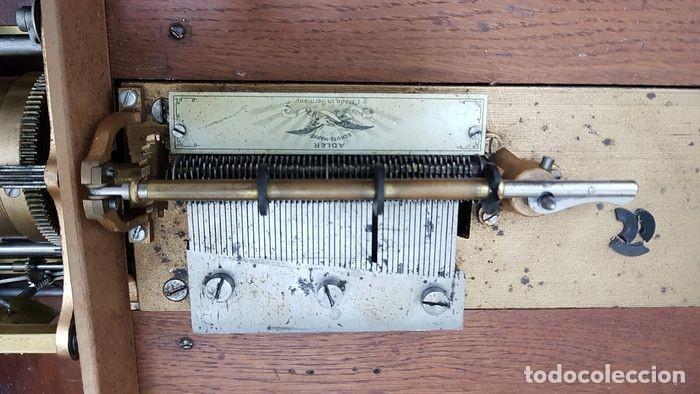 Gramófonos y gramolas: ANTIGUA CAJA DE MÚSICA ADLER CON UN DISCO año 1890 Peso 9 kg 1400 - Foto 11 - 207578493