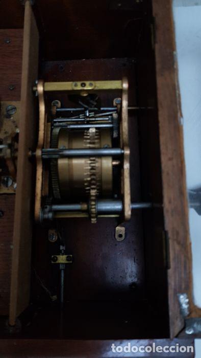 Gramófonos y gramolas: ANTIGUA CAJA DE MÚSICA ADLER CON UN DISCO año 1890 Peso 9 kg 1400 - Foto 12 - 207578493