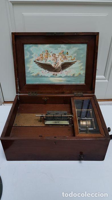 Gramófonos y gramolas: ANTIGUA CAJA DE MÚSICA ADLER CON UN DISCO año 1890 Peso 9 kg 1400 - Foto 13 - 207578493