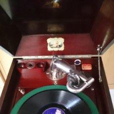Gramófonos y gramolas: GRAMOLA LA VOZ DE SU AMO.. Lote 207592691