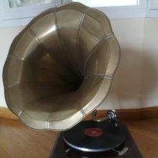 Gramófonos y gramolas: GRAMÓFONO MASTER VOICE. Lote 208052065