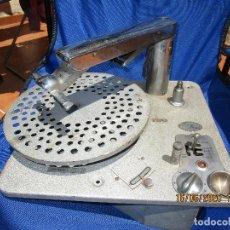 Gramófonos y gramolas: LOTE TOCADISCOS LUXOR DUX AGA PARA RESTAURAR O PIEZAS. Lote 208389130
