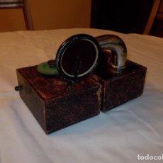 Gramófonos y gramolas: GRAMOLA PEQUEÑA. Lote 210036857