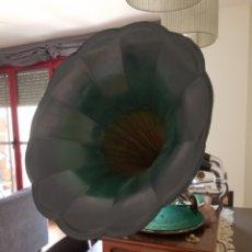Gramófonos y gramolas: ANTIGUO GRAMOFONO DE LOS AÑOS 20S. Lote 212882216