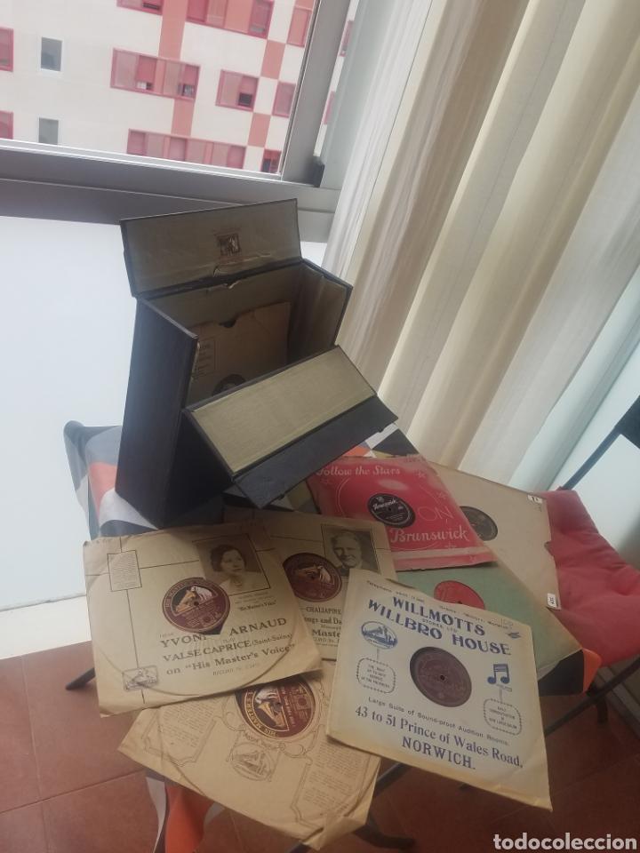 ANTIGUO ESTUCHE GRAMOFONO H.M.V 1920 + 10 DISCOS (Radios, Gramófonos, Grabadoras y Otros - Gramófonos y Gramolas)