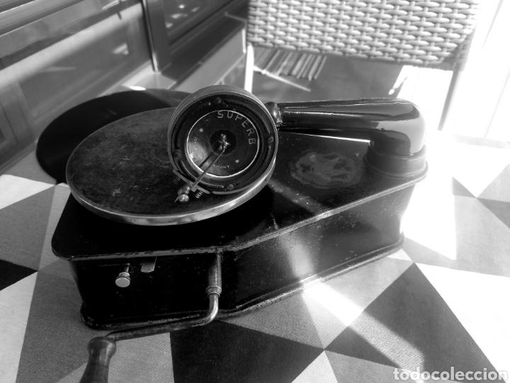 Gramófonos y gramolas: Antiguo Gramofono pequeño BINGOLA 1920.GRAMOPHONE - Foto 3 - 215087916