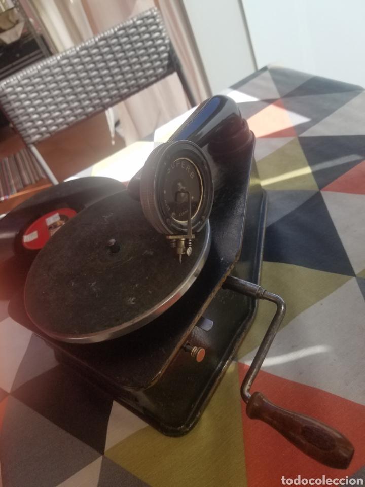 Gramófonos y gramolas: Antiguo Gramofono pequeño BINGOLA 1920.GRAMOPHONE - Foto 7 - 215087916