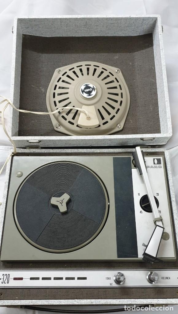 TOCADISCOS VINTAGE MARCA FARO (Radios, Gramófonos, Grabadoras y Otros - Gramófonos y Gramolas)