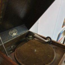 Gramófonos y gramolas: GRAMOLA COLUMBIA. Lote 215834673