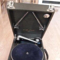 Gramófonos y gramolas: GRAMOLA- GRAMÓFONO COLUMBIA + 7 DISCOS PIZARRA-FUNCIONA. Lote 217313121