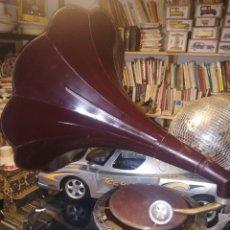 Gramófonos y gramolas: GRAMOLA HIS MASTER VOICE. Lote 217555646