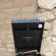 Gramófonos y gramolas: ANTIGUO TOCA DISCOS MANIVELA COLUMBIA GRAFONOLA MADE EN ENGLAND N 109 FUNCION ÑA. Lote 218776126