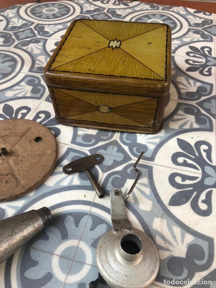 Gramófonos y gramolas: Pequeño gramófono gramola infantil pygmex. Más poniendo USMO - Foto 13 - 220541886