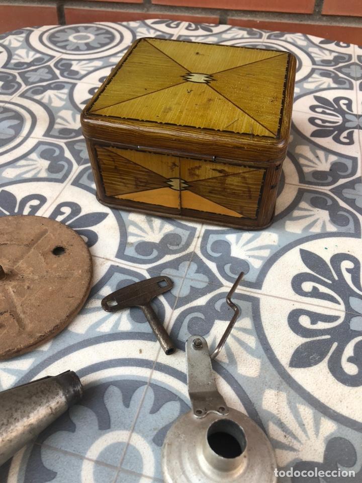 Gramófonos y gramolas: Pequeño gramófono gramola infantil pygmex. Más poniendo USMO - Foto 14 - 220541886