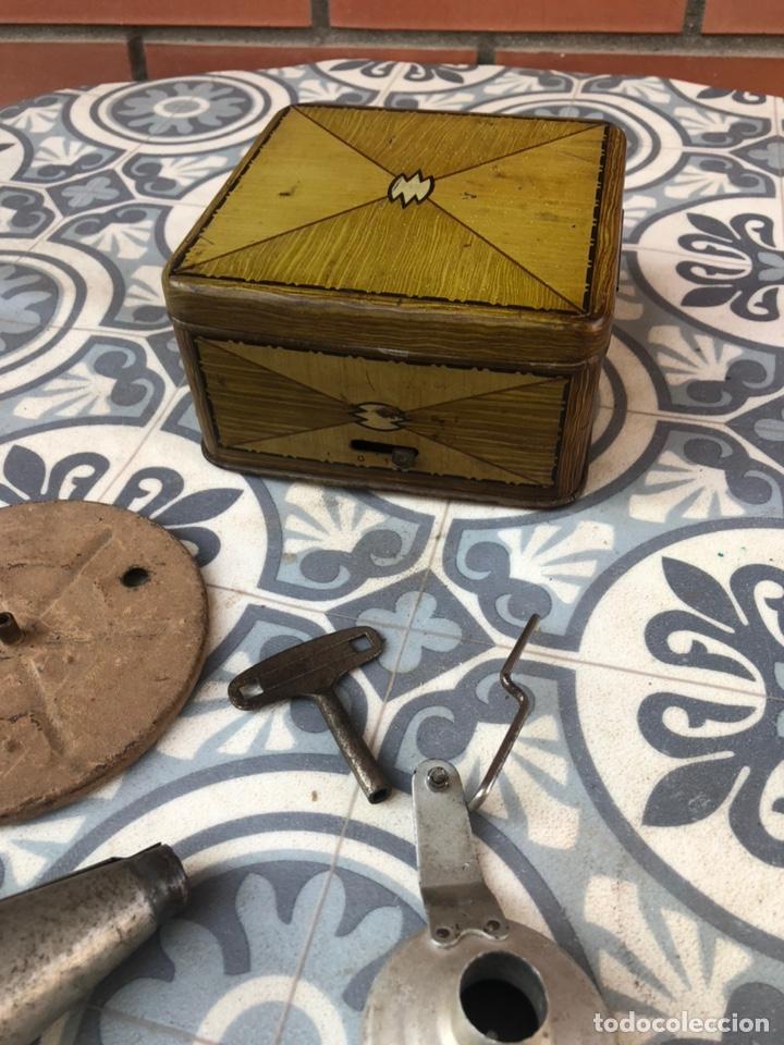 Gramófonos y gramolas: Pequeño gramófono gramola infantil pygmex. Más poniendo USMO - Foto 15 - 220541886