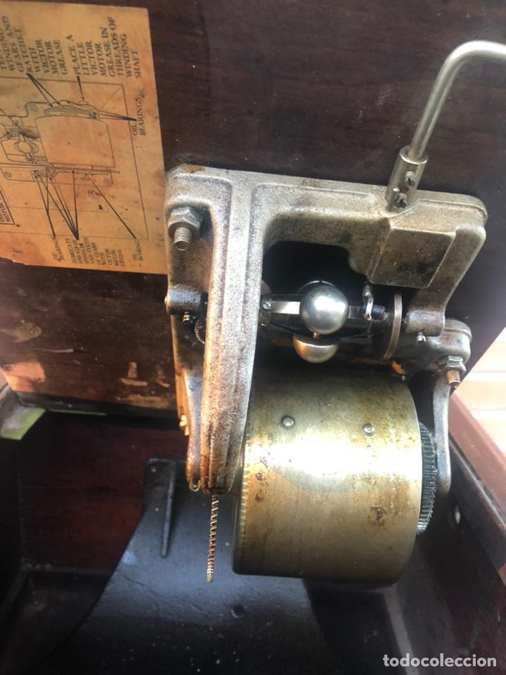 Gramófonos y gramolas: Victrola VI victor gramofono más poniendo USMO rca VV-VI talking machine - Foto 16 - 220628603