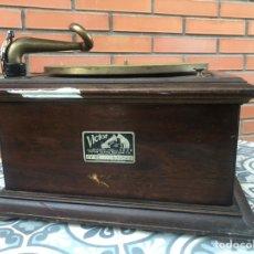 Gramófonos y gramolas: VICTROLA VI VICTOR GRAMOFONO MÁS PONIENDO USMO RCA VV-VI TALKING MACHINE. Lote 220628603