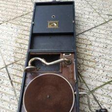 Gramófonos y gramolas: ANTIGUA GRAMOLA DE MANIVELA SIGLO XIX NO FUNCIONA. Lote 222173053