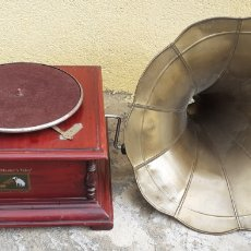 Gramofones e jukeboxes: GRAMOFONO ANTIGUO GRAMOLA HIS MASTER ? VOICE PARA PIECES. Lote 222396148