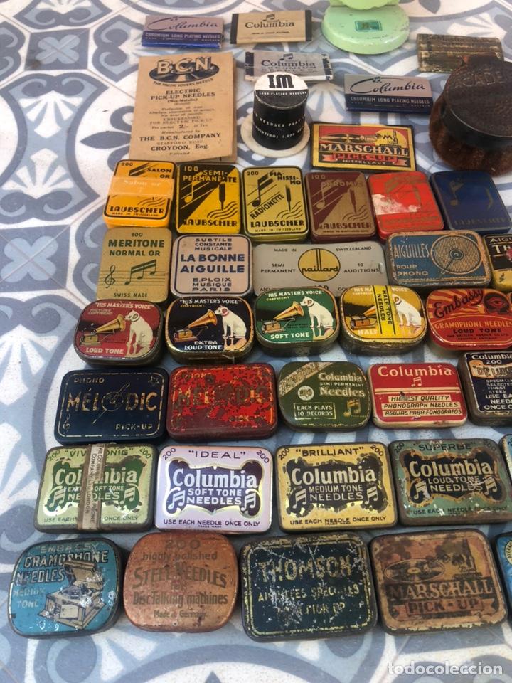 Gramófonos y gramolas: Lote 37 cajas latas de aguja gramófono. Más poniendo USMO - Foto 4 - 220627996