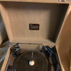 Gramófonos y gramolas: TRIXETTE PORTABLE ELECTRIC GRAMOPHONE. Lote 226235845