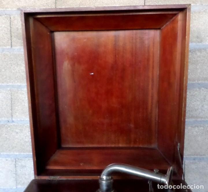Gramófonos y gramolas: GRAMOLA O GRAMOFONO DE MADERA -- No funciona - Foto 9 - 227266975