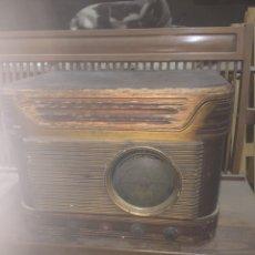 Gramófonos y gramolas: RÀDIO TOCADISCOS BRUNET. Lote 228367545