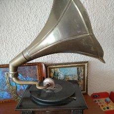 Gramofones e jukeboxes: GRAMOFONO. Lote 228955640