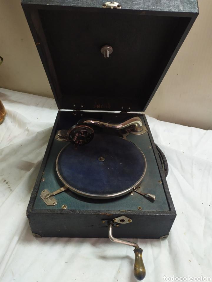 ANTIGUA GRAMOLA DE MANIVELA SIGLO XIX FUNCIONA (Radios, Gramófonos, Grabadoras y Otros - Gramófonos y Gramolas)