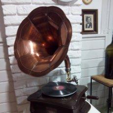 Grammofoni e gramolas: GRAMÓFONO VICTROLA. Lote 234726950