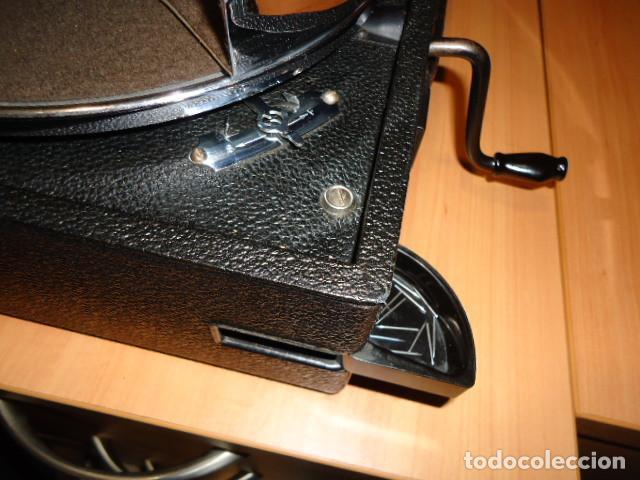 Gramófonos y gramolas: MAGNIFICO E IMPECABLE GRAMOFONO VOZ DE SU AMO - Foto 2 - 236894485