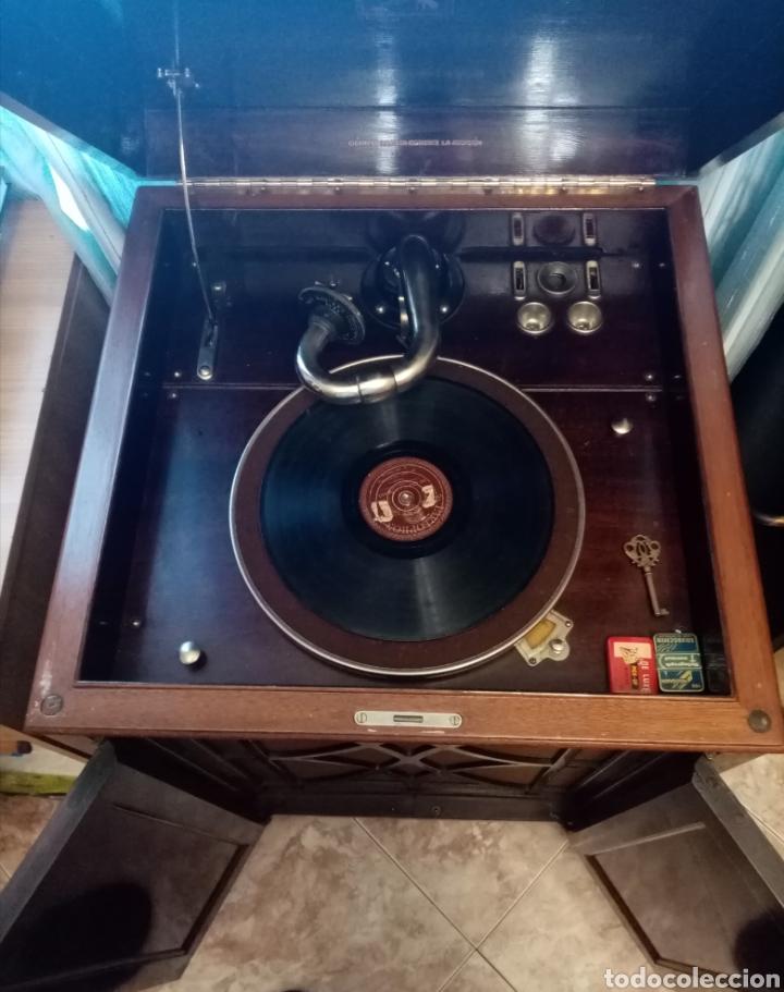 Gramófonos y gramolas: Gramola en mueble: la voz de su amo: --mando vídeo para ver que está en funcionamiento-- - Foto 3 - 240199825
