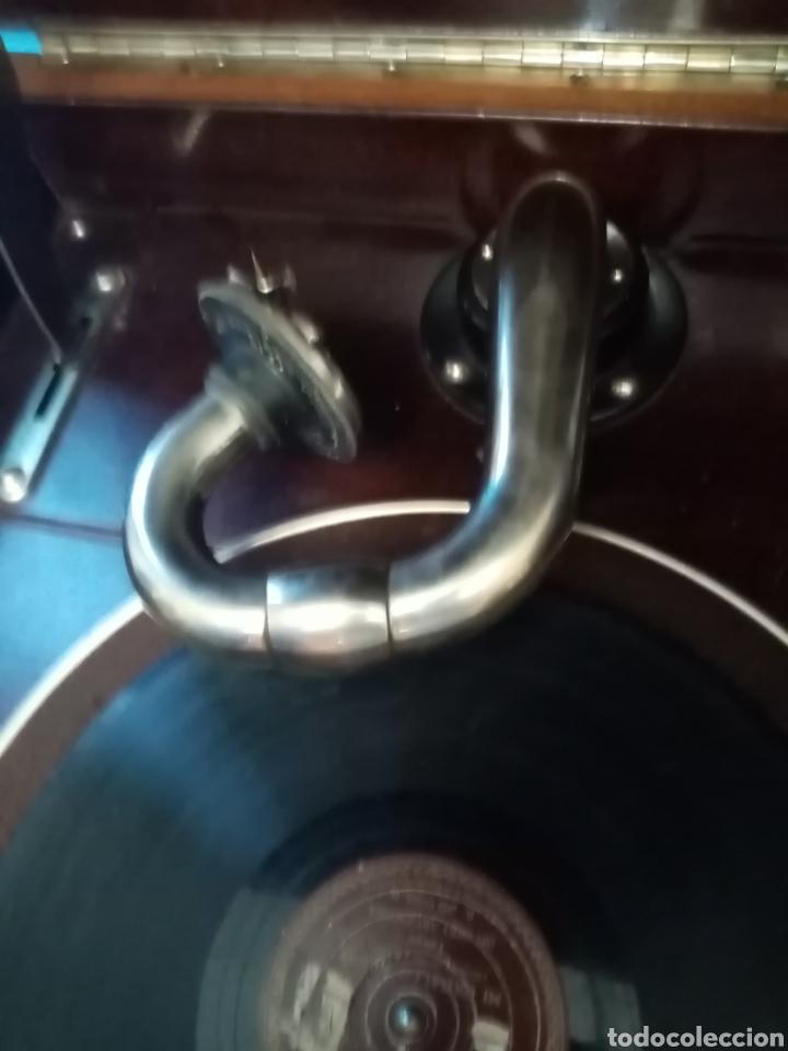 Gramófonos y gramolas: Gramola en mueble: la voz de su amo: --mando vídeo para ver que está en funcionamiento-- - Foto 10 - 240199825