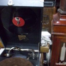 Gramófonos y gramolas: GRAMOLA PATHE FUNCIONANDO. Lote 243834330