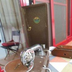 Gramófonos y gramolas: ANTIGUO GRAMOFONO URSS SOVIÉTICA 1940. Lote 244689570