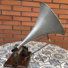 Grammofoni e gramolas: FONOGRAFO GRAMÓFONO GRAMÓLA FUNCIONANDO PHONOGRAPHE GRAMOPHONE USMO. Lote 244723170