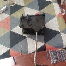 Gramófonos y gramolas: ANTIGUO MOTOR M 13 RARO PARA GRAMOFONO Y MANIVELA. Lote 263112215