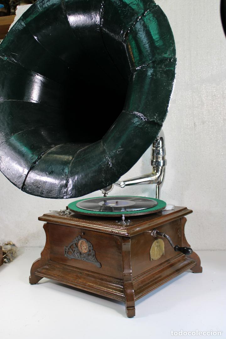 GRAMOFONO SWITZERLAND BOCINA MARCA AMERICA SOUND BOX (Radios, Gramófonos, Grabadoras y Otros - Gramófonos y Gramolas)