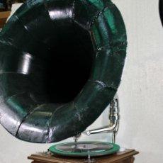 Gramophones: GRAMOFONO SWITZERLAND BOCINA MARCA AMERICA SOUND BOX. Lote 263886155