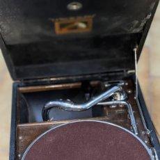 Gramófonos y gramolas: GRAMÓFONO LA VOZ DE SU AMO, MUY BUEN ESTADO. Lote 264781274