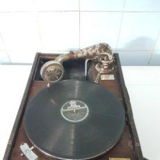Gramófonos y gramolas: GRAMOFONO DE MALETA LA VOZ DE SU AMO FUNCIONA VER VIDEO.. Lote 265330889
