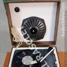 Gramófonos y gramolas: ANTIGUO TOCADISCOS - COSMO B-3010 - FUNCIONA PERFECTAMENTE -. Lote 267774504