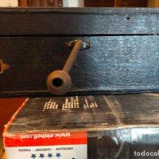 Gramófonos y gramolas: GRAMÓFONO O GRAMOLA DE MALETA. Lote 272063893