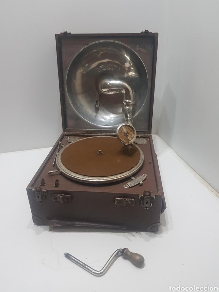 ANTIGUO GRAMOFONO DE MALETA ICA-FONO AÑOS 40 (Radios, Gramófonos, Grabadoras y Otros - Gramófonos y Gramolas)